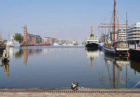 Bremerhaven, Inland Port, Sea Lock, Old Lighthouse