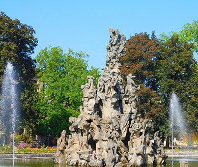 Huguenot Fountain, Fountain, Gain, Middle Franconia