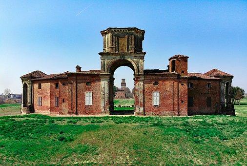The Castle Of Chignolo Po, The Castle Procaccini, Fart