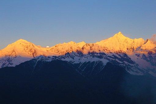 Shangri-la's, Snow Mountain, Kava Borg