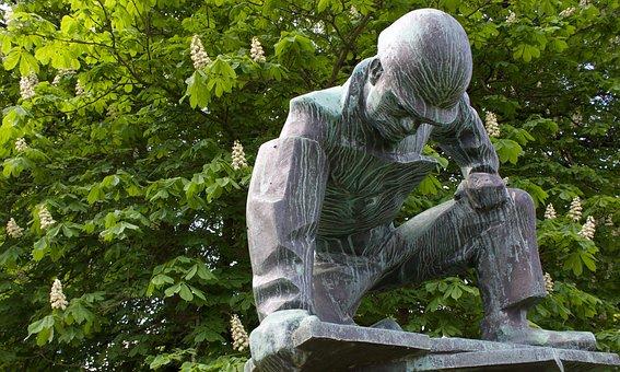 Shipyard Workers, Walter Rössler, Kiel, Sculpture
