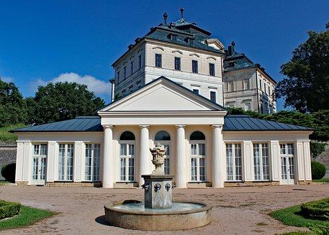 Castle, Charles Crown, Chlumec Nad Cidlinou, Building