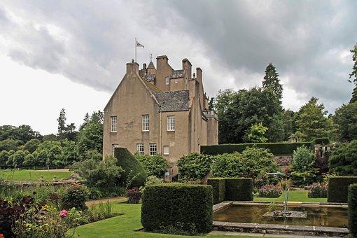 Crathes Castle, Garden, Castle, Banchory, Aberdeenshire