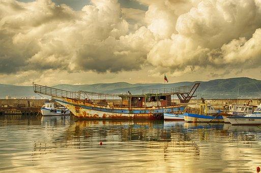 Stormy, Black Sea, Rusted Hulk, Boats, Scenery