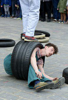 Street Entertainment, Car Tyres, Artist, Marketplace