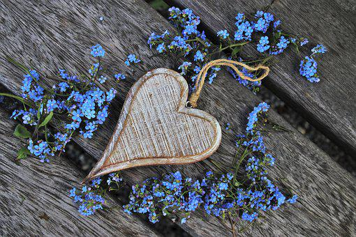 Don't Forget About Me, Heart, Wooden, Small Flowers