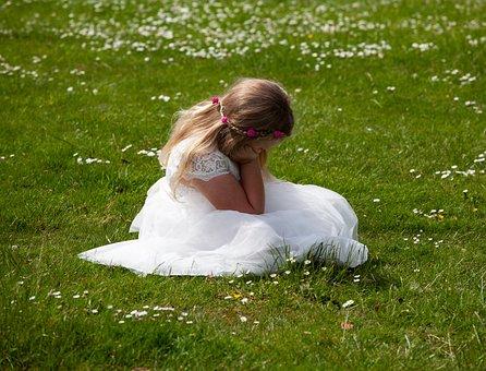 Wedding, Bridesmaid, Child, Sad, Sulking, Cry, Girl