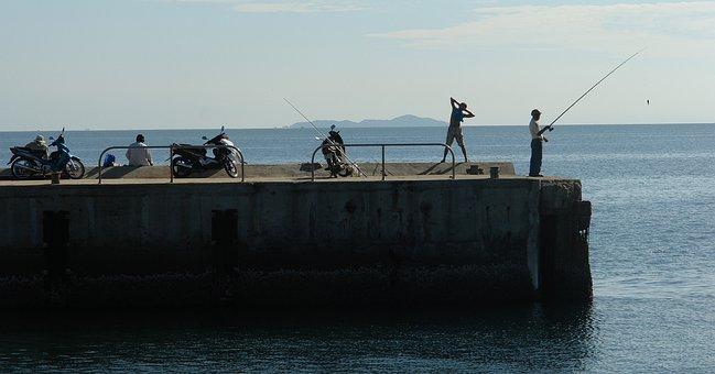 Do Exercise, Fishing, Nha Trang Bay, Khanh Hoa