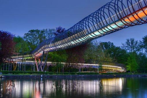 Slinky Springs To Fame, Bridge, Oberhausen