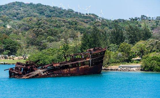 Ship Wreck, Mahogany Bay, Roatan, Honduras, Nature