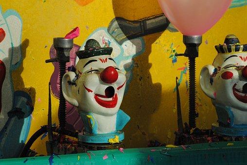 Clown, Carnival, Game, Circus, Fair, Amusement, Balloon