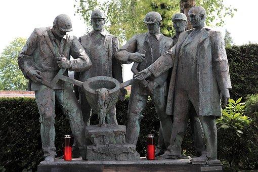 Steel Worker Monument, Mirogoj Cemetery, Zagreb
