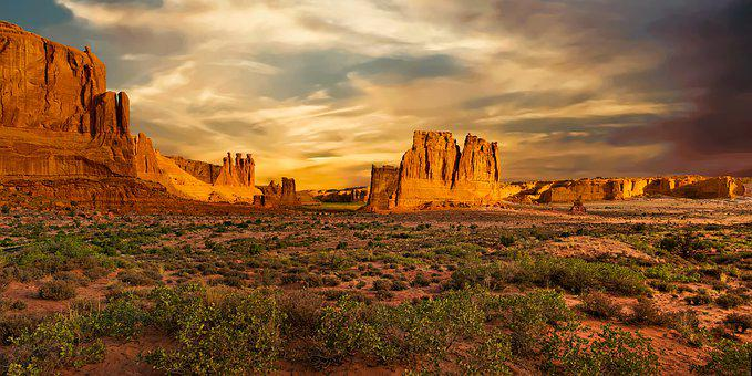 Arches National Park, Utah, Courthouse Towers, Desert