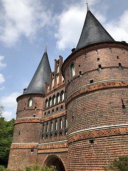 Lübeck, Hanseatic City, Holsten Gate, Holstentorplatz