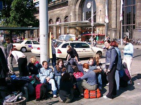 Railway Station, Dresden, Neustadt, Forecourt, Taxi