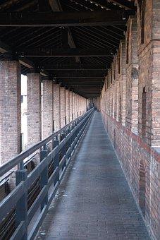 Walkway, Guards, Castle, Castello Sforzesco, Milan
