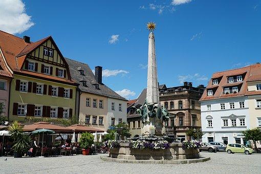 Kulmbach, Marketplace, Luitpold Fountain