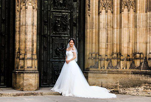 Bride, Wedding, Prague, St Vitus Cathedral, Romantic