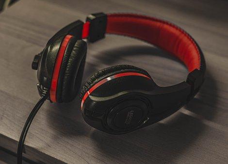 Headphones, Desk, Wood, Table, Room, Game, Player