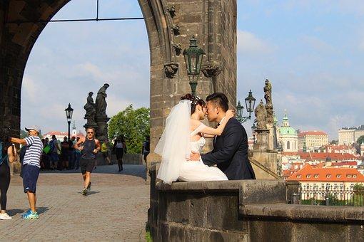 Prague, Charles Bridge, Bride And Groom, Kiss