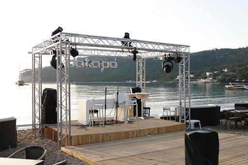 Sea, Sky, Scene, Area, Structure, Concert, Mountains