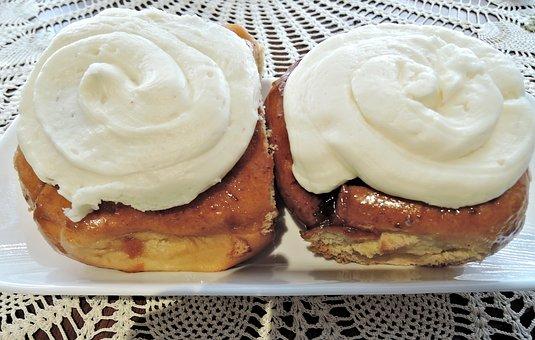 Cinnamon Bun, Cream Cheese Topping, Yeast Bread