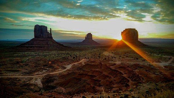 Monument Valley, Mittens, Navajo, Tribal Park, Sunrise