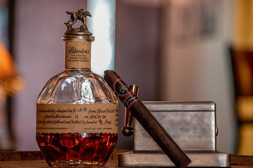 Bourbon, Cigar, Lifestyle, Drink, Alcohol, Spirits