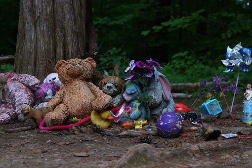 Graveyard, Child, Creepy Toys, Cemetery, Emotion, Sad