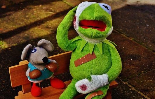 Kermit, Mouse, Stuffed Animal, Boxing Match, Injured