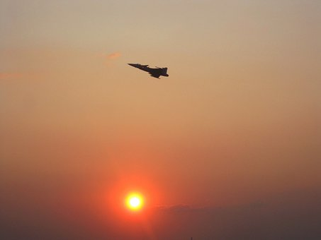 Gripen, Air Display, Sunset, Sun, Glow, Halo, Orange