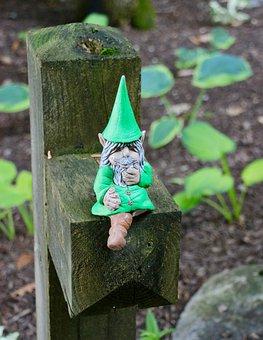Gnome, Post, Lights, Alone, Statue, Sit, Mood