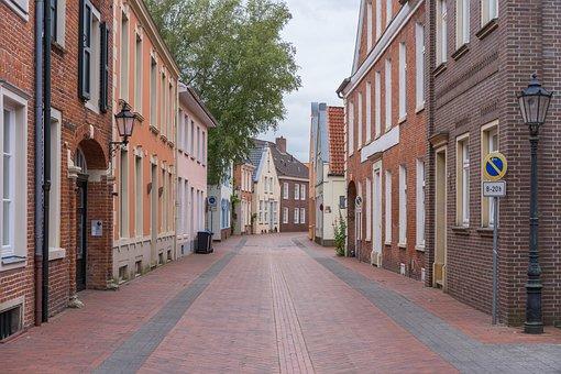 Empty, East Frisia, Historic Center, Architecture