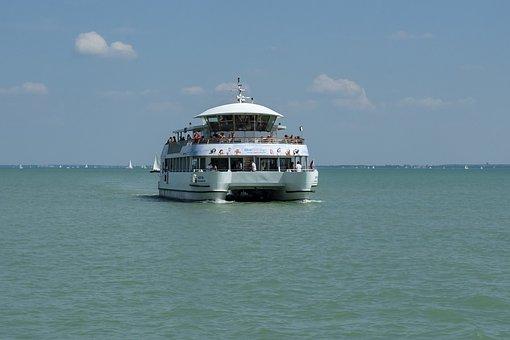 Catamaran, Kéttestű Ship, Cruise Ship, Tourist Boat
