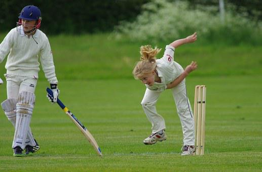 Cricket, Bowling, Girl, Junior, Player, Cricketer