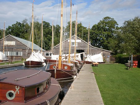 Sailing, Norfolk Broads, Hunter's Yard, Ludham