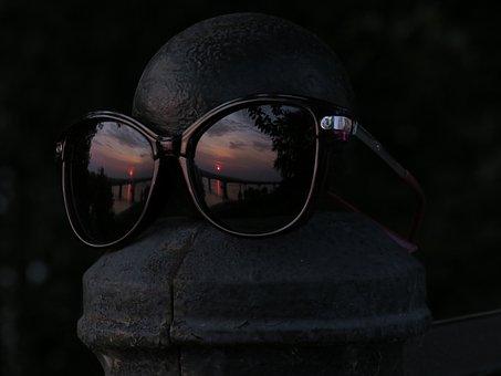 Glasses, Ball, Cast Iron, Reflection, Sunset