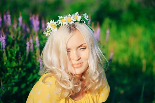 Girl, Wreath, Flowers, Chamomile, Field, Greens, Grass