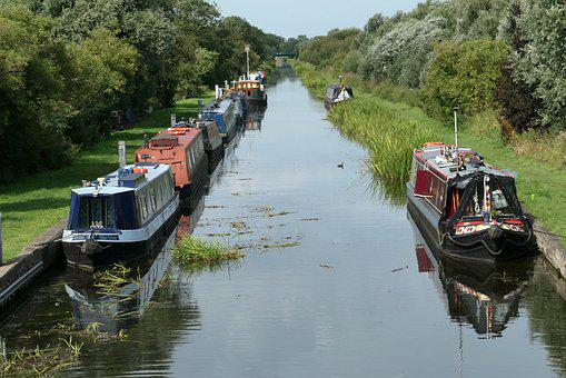 Chesterfield Canal, Canal, Misterton, Houseboat