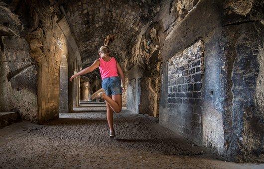 Jump, Leap, Girl, Cave, Arles, Arena, Corridor, Play