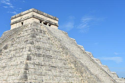 El Castillo, Chichén Itzá, Mexico, North America