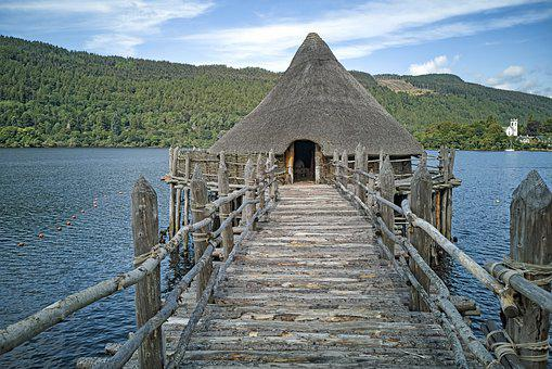 Crannog, Around The House, Pile Construction, Iron Age