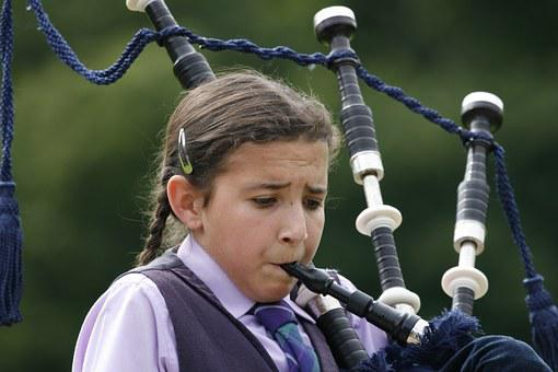 Girl, Bagpipes, Bag Pipe, Effort, Exhausting, Ambitious
