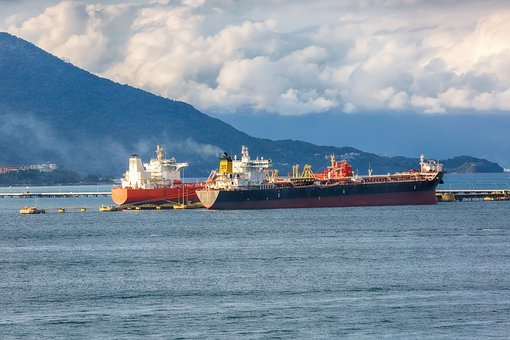 Ships, The Transport Of The Fuel, Oil, The Refinery