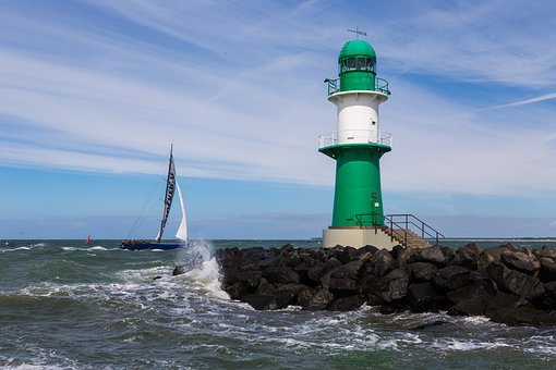Lighthouse, Harbour Entrance, Warnemünde, Beacon