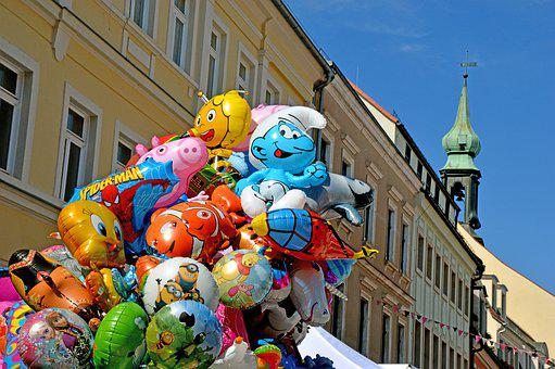 Luftballons, Heliums, Schlumpf, Biene Maja, Turm, Stadt
