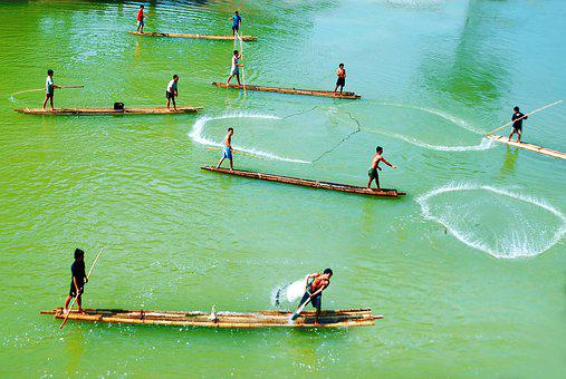 The Fishermen Of Vietnam Casting The Net, Fishing