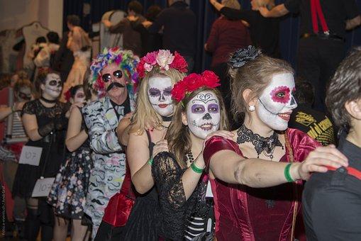 Masked Ball, Carnival, Polonaise, Glarus, Music