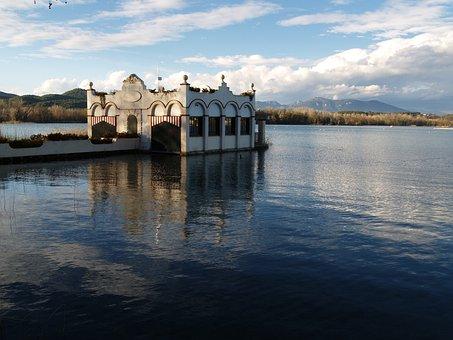 Flat, Lake, Water, Blue, Spain, Europe, Banyoles, House