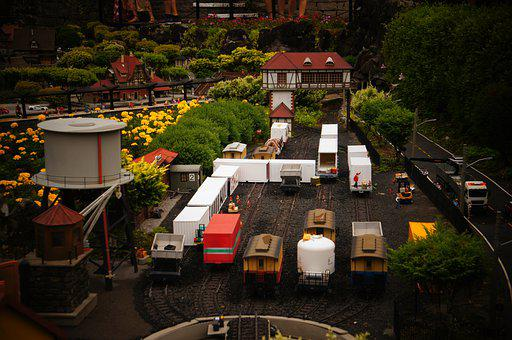 Mini World, Rent A Car, The Mini-world, Railroad, Lawn